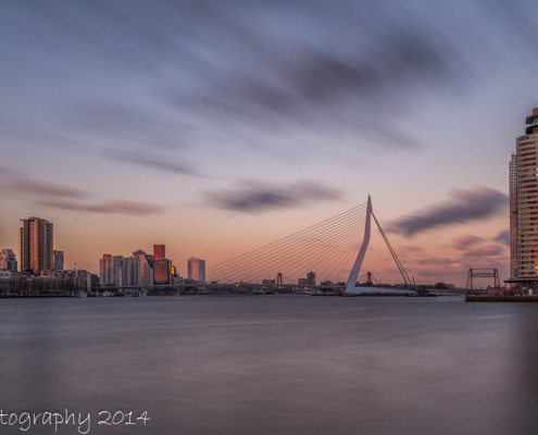Rotterdam skyline foto by Night - Erasmusbrug by Night - Wilhelminapier | Tux Photography