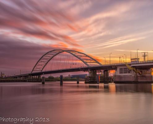 Avondfoto's - Papendrechtse Brug bij zonsondergang   Tux Photography