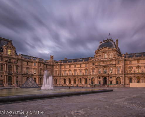 Avondfoto's - Fotografie Parijs - Plein en fontein museum Louvre