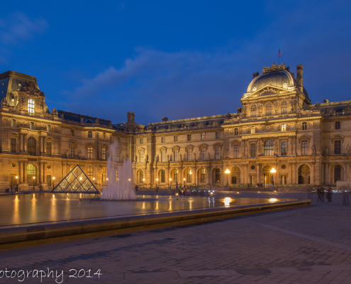 Avondfoto's - Parijs Fotografie - Het Louvre museum in de avond