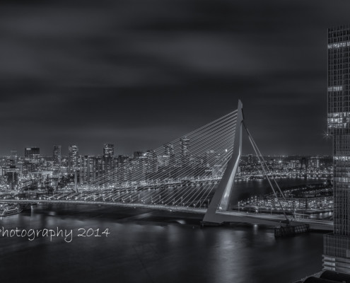 Rotterdam skyline foto by Night - Erasmusbrug - De Rotterdam | Tux Photography