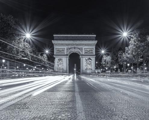 Avondfoto's - Parijs Arc de Triomphe zwart-wit