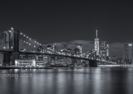 Foto's New York - Brooklyn Bridge by night | Zwart-wit foto Tux Photography