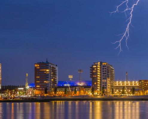 Feyenoord Rotterdam stadion de Kuip met bliksem