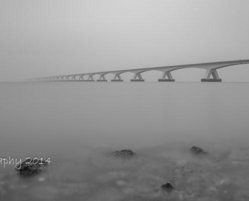 Foto's Zeelandbrug - Zeelandbrug in de mist | Tux Photography