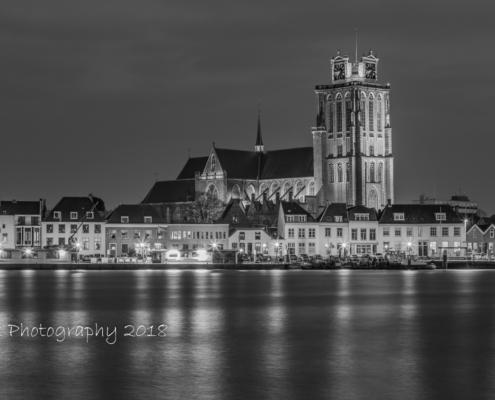 Foto's Dordrecht - Grote Kerk in Dordrecht in zwart-wit | Tux Photography